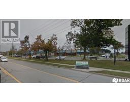 6 -  15 CEDAR POINTE Drive, barrie, Ontario